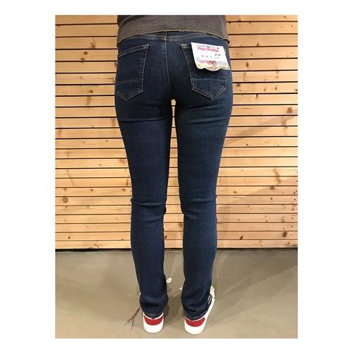 K.O.I Emi (Blue Worn Myla) – Jeans