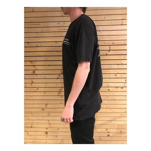 Roark Knives (Black) – T-Shirt