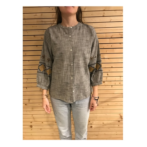 By-Bar Cecile Embroidery (Grey) – Bluse