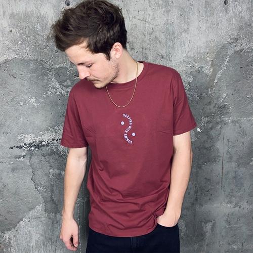 Pukas Surfing Amigos (hemp) – T-Shirt